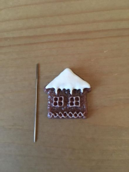 Gingerbread House Needle Minder